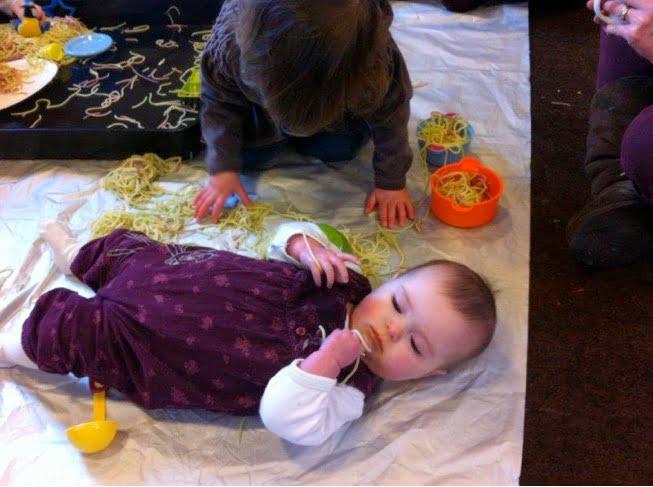 Fortrose-Infant-Feeding-Group-Spaghetti-2015.4-04