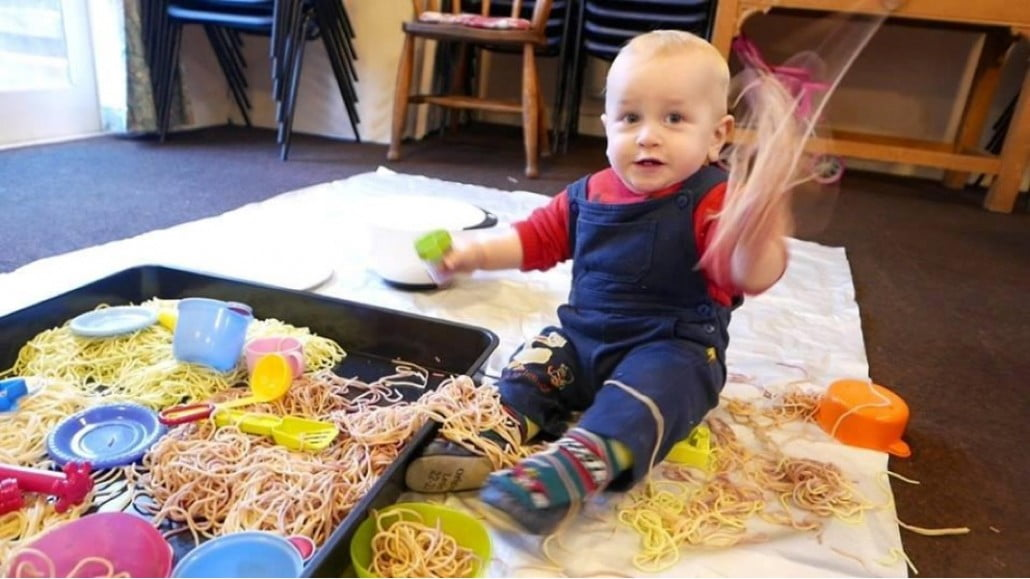 Fortrose-Infant-Feeding-Group-Spaghetti-2015.4-08