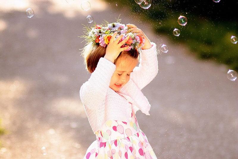 girl-bubbles